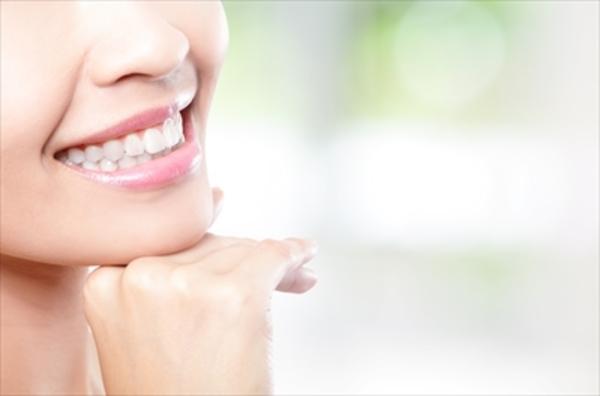審美修復ってなに? 美しさと機能を追求した歯科技工品の世界